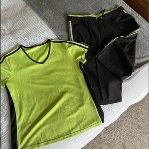 Leisure shirt/capris set. Size PL